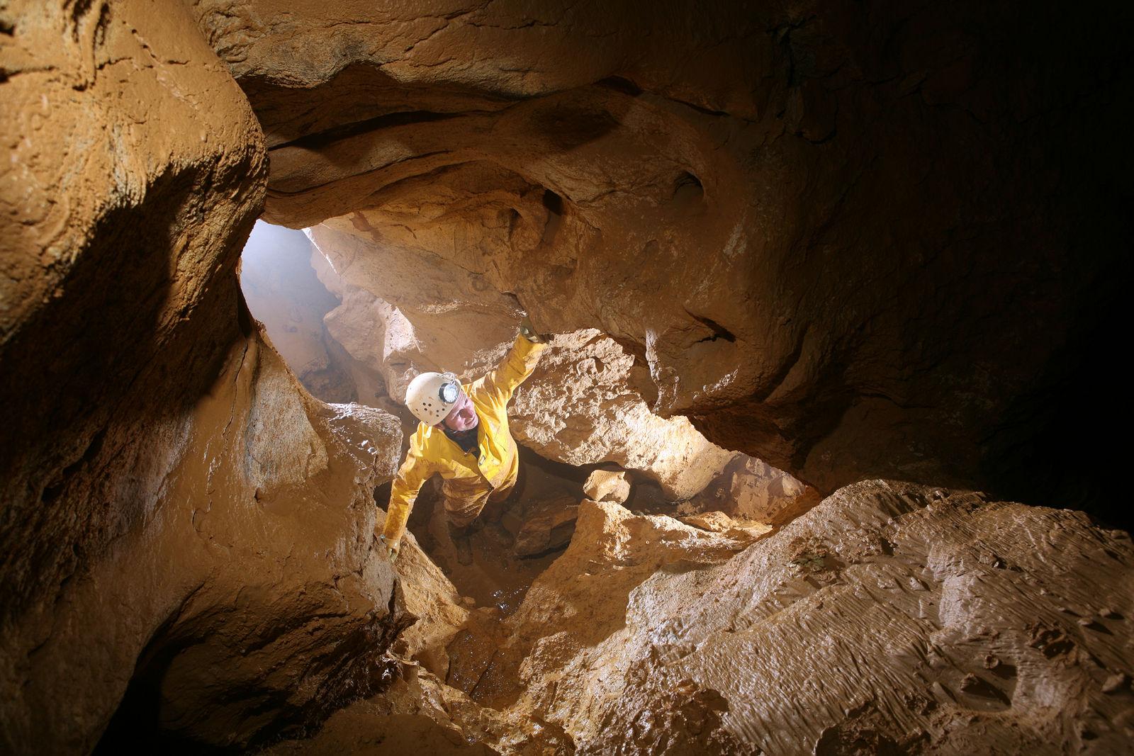 Vor kurzem neuentdeckte Höhlenteile führen nun auf 87 m Tiefe unter die Erdoberfläche hinab
