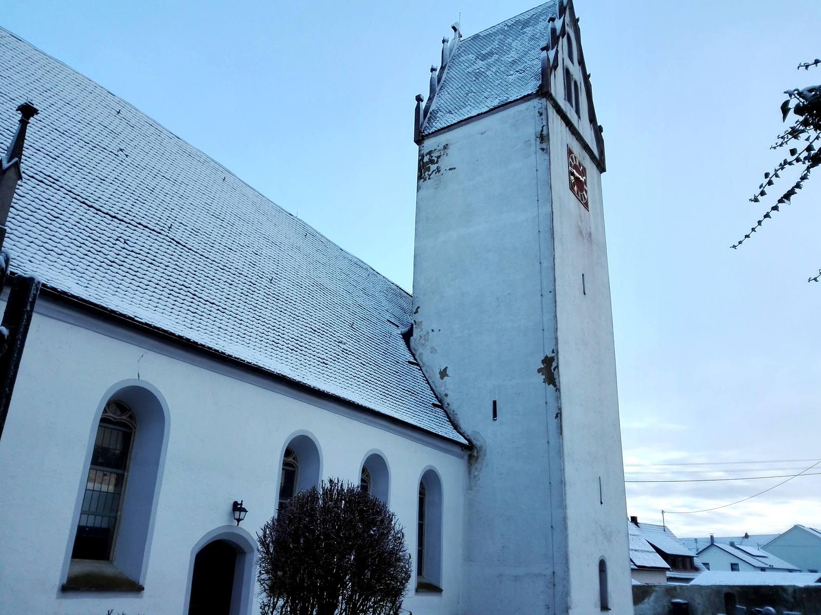 Kirchturm im Stadtteil Suppingen