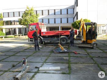 Beseitigung von Stolpferfallen auf dem Schulhof des Albert-Schweitzer-Gymnasiums