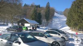 Parkplatz an der Skihütte